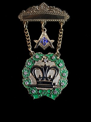 Amaranth Past Royal Patron Jewel (11 stones)