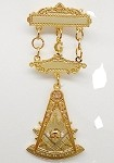 Past Master Jewel With Square and Stone